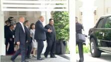 El momento en el que Trump le enseña a Kim Jong Un el interior de 'La Bestia', su limusina blindada