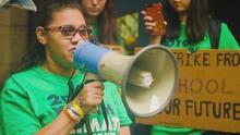 Ella es Daphne Díaz, una latina cuya discapacidad no ha sido impedimento en su lucha contra las armas en EEUU