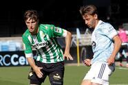 Betis viene de atrás y vence 2-3 al Celta de Vigo, Barcelona vence 0-1 en su visita al Eibar, Huesca y valencia se confroman con un 0-0, Elche vence 2-0 al Athletic Club y la Real Sociedad logra vencer 0-1 al Osasuna.