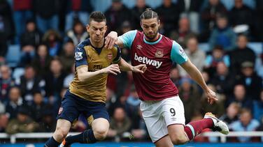 West Ham 3-3 Arsenal: Koscielny rescata empate tras el 'hat trick' de Andy Carroll