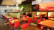 Semivacíos, con horarios modificados y vacantes sin llenar: la dura actualidad de los restaurantes en tiempos de covid-19