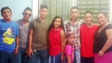 Entre lágrimas, cuatro hermanos relatan lo difícil que fue cruzar la frontera para volver a abrazar a su madre