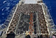 Confiscan un lote ilegal de armas tan grande que ocupó la cubierta entera de un buque de guerra estadounidense