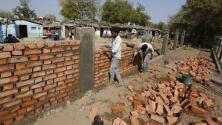 Otro muro para Trump, esta vez en la India y para ocultar a los barrios pobres durante su visita