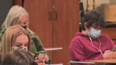 Phoenix Union High School District requerirá el uso de mascarilla en sus planteles