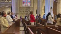 Así lucen las iglesias en Nueva York tras volver a operar al 100% de su capacidad en medio de la pandemia