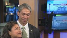 El nuevo alcalde y la primera dama de San Antonio nos hablan de su vida familiar y su oposición a la SB4