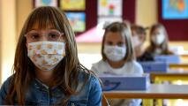 Coronavirus: Tras el regreso a clases en LAUSD, ¿están seguros los estudiantes en las escuelas?
