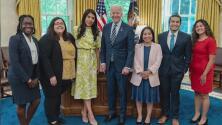 """""""Alguien indocumentada entrando a la Casa Blanca"""": maestra dreamer se reúne con el presidente Biden"""