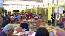 'Chicago en un Minuto': integrantes de la comunidad latina se reúnen en Casa Maravilla para hablar del mal de Alzheimer