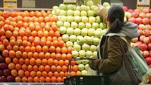 Los cupones de comida no alcanzan para alimentarse en 99% de los condados de EEUU