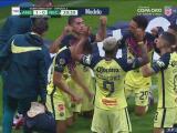 ¡Por ti Zizinho! Salvador Reyes hace el 1-0 de América con dedicación