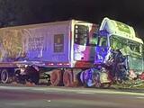 Múltiples vehículos chocan en autopista de Raleigh tras fuertes lluvias, incluida ambulancia y unidad de Fedex