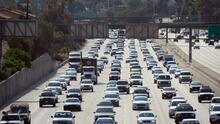 Te contamos cómo fluye la mañana de este martes el tráfico vehicular en las principales vías de Los Ángeles