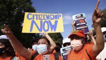 Activistas y autoridades electas en Chicago presionan a congresistas para que se concrete una reforma migratoria
