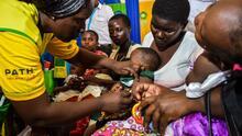 La OMS autoriza la primera vacuna contra la malaria