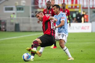 Milan se impone a la Lazio 2-0 con anotaciones de Rafael Leao y Zlatan Ibrahimovich, quien después de cuatro meses sin jugar oficialmente, regresa con gol y los 'rossoneros' suman nueve de nueve puntos desde su arranque en la Serie A.