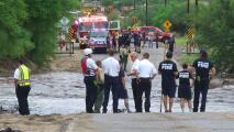 Rescatistas logran salvar a cuatro personas atrapadas en inundaciones repentinas en Arizona
