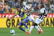 Se empata el partido entre la Juventus y Udinese en la Serie A, con marcador de 2-2. Los de la Veccia Signora ganaban el partido durante la primera mitad con goles de Paulo Dybala y Guillermo Cuadrado, pero Roberto Pereyra convirtió penal y gol para los visitantes, seguido de Gerard Deulofeu; Cristiano anotó el tercero pero fue anulado.