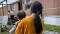 Más de 500,000 niños estadounidenses no tienen seguro médico debido a la deportación de sus padres, según estudio