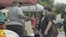 Organización realiza un evento de distribución de ayuda para el regreso a clases