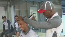 ¡El barbero del Necaxa! Brayan Beckeles demostró que tiene un plan para su retiro