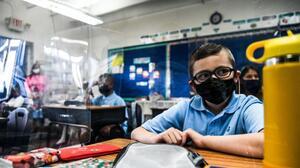 Cómo un quiropráctico hizo (sin querer) que un condado de Florida endureciera el uso de mascarillas en las escuelas