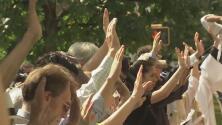 Frente a centro de menores, realizan marcha silenciosa para que niños migrantes sean reunificados con sus padres