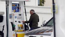 Precio de la gasolina supera los $5 por galón en algunas estaciones de servicio en Fresno