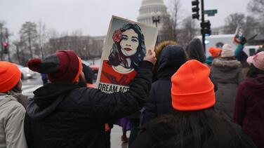 Fallo contra DACA aumenta presión al Congreso para que apruebe ley que incluya la ciudadanía para los dreamers