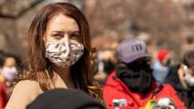 Una de las mujeres que acusan al gobernador Cuomo de acoso sexual podría demandarlo por retaliación
