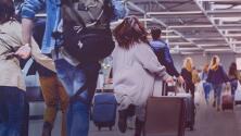 Mujer pierde su vuelo e inventa que había una bomba en el avión para que se devolviera y la dejaran subir
