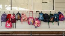 Los problemas de salud que puede ocasionar en los niños el exceso de peso en las mochilas escolares
