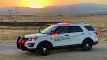 Roban auto con un niño de dos años en el asiento trasero en Bakersfield