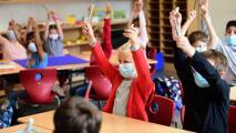 ¿Qué preocupa a los padres de familia de Chicago sobre el regreso de sus hijos a clases presenciales?