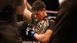 Brandon Moreno se convierte en el primer campeón mexicano de UFC