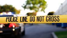 Un oficial de LAPD recibe disparo en la cabeza cuando llegaba a su trabajo; relacionan a un menor de 14 años con el tiroteo