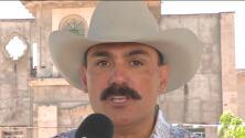Ernesto Pérez 'El Chapo de Sinaloa', recolecta firmas para ser candidato a las elecciones de Nayarit