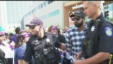 Más de 50 empleados de Kaiser Permanente fueron arrestados durante manifestación en Sacramento