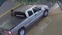 Hombre está en condición crítica tras intentar impedir el robo de su auto