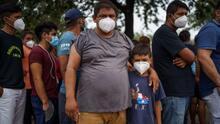 Juez declara 'ilegal' el Título 42 creado por Trump, que obligó a miles de migrantes solicitantes de asilo a esperar en México
