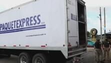 """Una infracción de tráfico deja al descubierto un camión con 128 migrantes hacinados """"a punto de morir"""""""