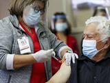 Algunas personas que se han vacunado han enfermado con el virus. NYC pregunta: ¿Sigue siendo efectiva la vacuna?