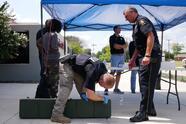 El departamento no pidió información sobre las armas entregadas y no se les pidió identificación a las personas.