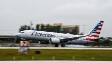 ¿Por qué American Airlines tiene escasez de personal si recibió ayuda federal para evitar despedir empleados?