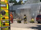 Mueren tres personas en choque de vehículo contra edificio en Pittsburgh