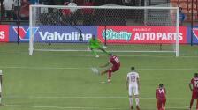 ¡No paran los goles! Erick Davis marca el 3-3 con un penalti perfecto