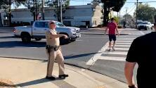 """Patrulla de Caminos usa """"trampa"""" para multar a conductores que no ceden el paso a peatones"""