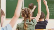 Maestra sin vacunar contagia a la mitad de su clase en escuela de Marin