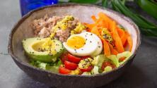 Bowl de atún saludable, fresco y muy fácil de preparar